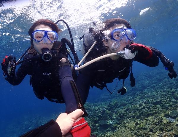 4/9 古宇利島 体験ダイビング サンゴの上を水中散歩♡